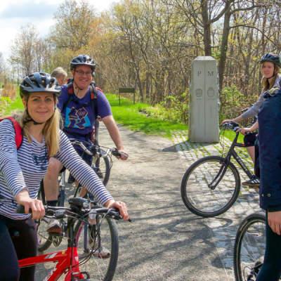 Cyclists at Mason Dixon Line